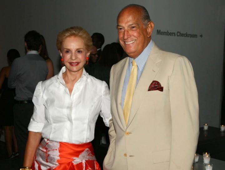 El diseñador con su gran amiga Carolina Herrera.