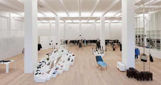 the concept store phenomenon magazine horse. Black Bedroom Furniture Sets. Home Design Ideas