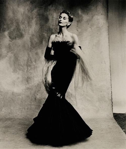 Rochas-Mermaid-Dress-Lisa-Fonssagrives-Penn