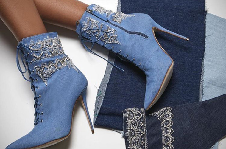 rihanna, manolo blahnik, accesorios de moda, colección de moda, zapatos, denim, magazine horse