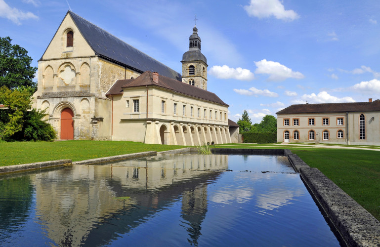 Abadía benedictina de Hautvilliers, la champagne, viajes, gastronomia, horse magazine