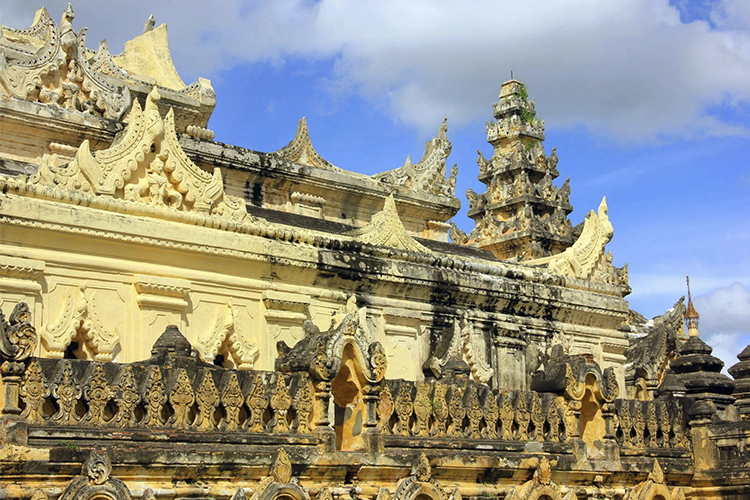 Monasterio-Maha-Aung.Mye-Bonzan
