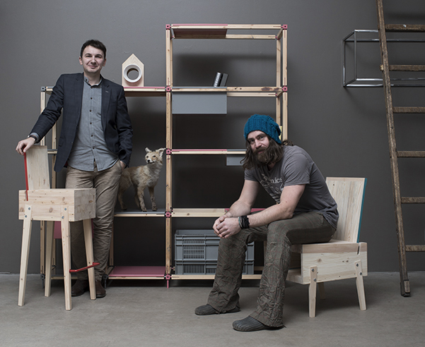 Tonis Kalve y Ahti Grünberg, fundadores de la marca Derelict Furniture con sede en Tallin.