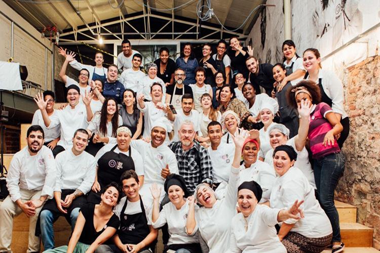 Massimo Bottura y el equipo de Gastromotiva