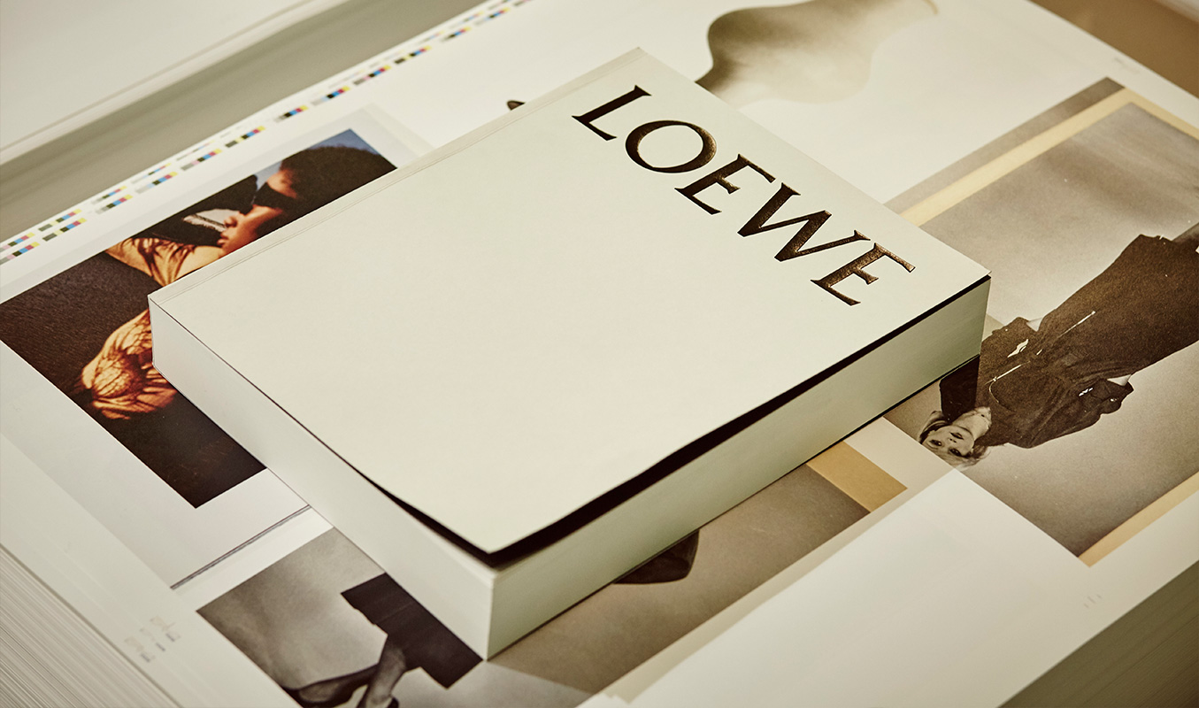 loewe-book-magazine-horse-12