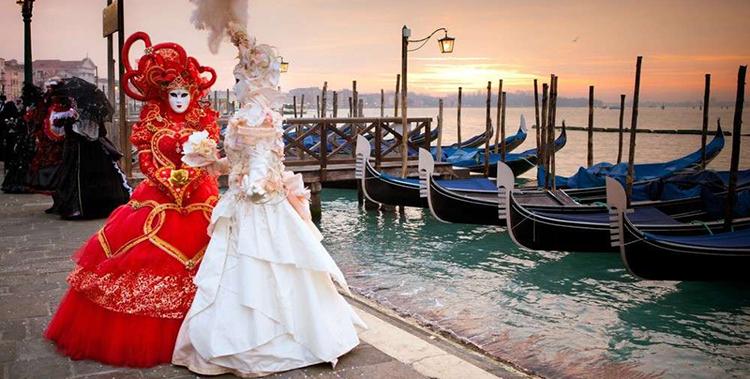 Trajes de carnaval en Venecia