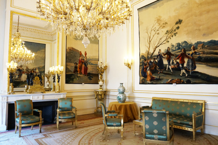 La gallina ciega y otras obras de Goya en los salones del Palacio Real belga