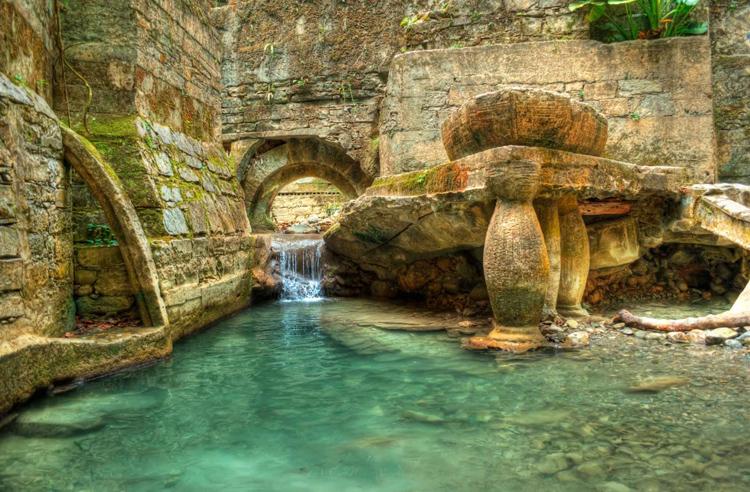 Una de las pozas o piscinas naturales que da nombre a la finca
