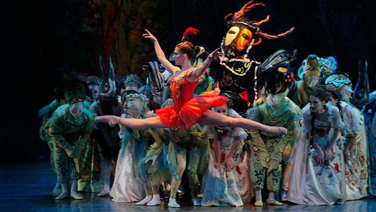 Los acordes de Pájaro de Fuego de Stravinsky volverán a ser a ser bailados en el Teatro Mariinsky
