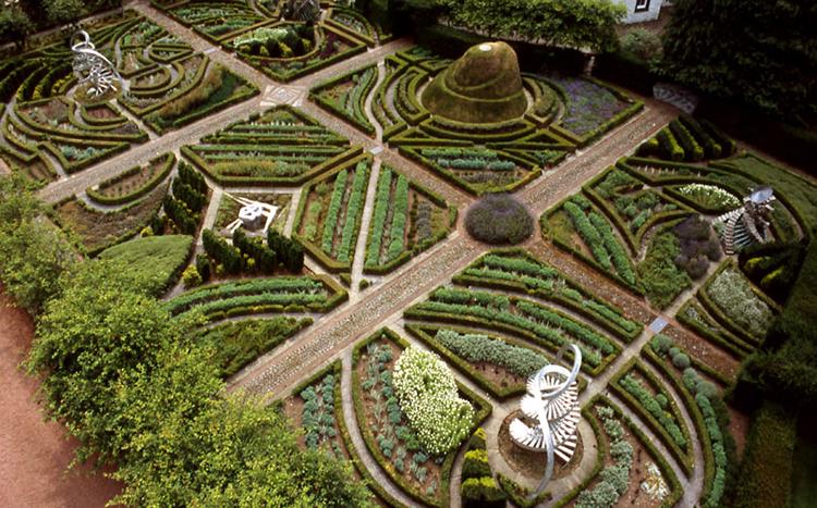 Esta área de parterres es lo más parecido a los jardines tradicionales británicos