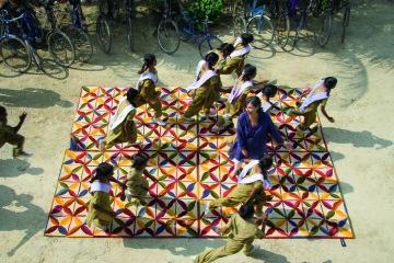 Kala Project en India junto a su benefactora.
