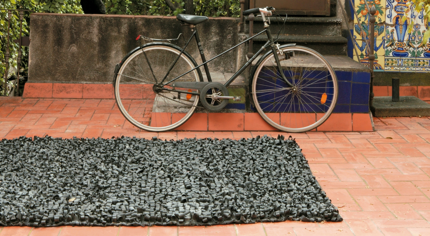 Bicycle rug designed by Ariadna Miquel and Emili Padrós