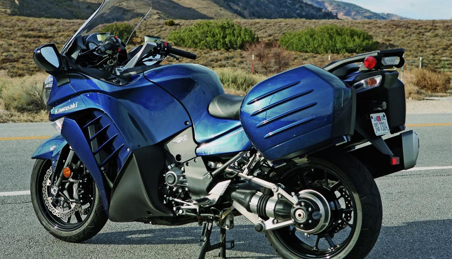 moto-vento-Kawasaki-deportiva-magazinehorse