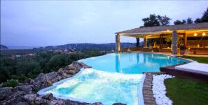 greece-luxury-calm-magazine-horse