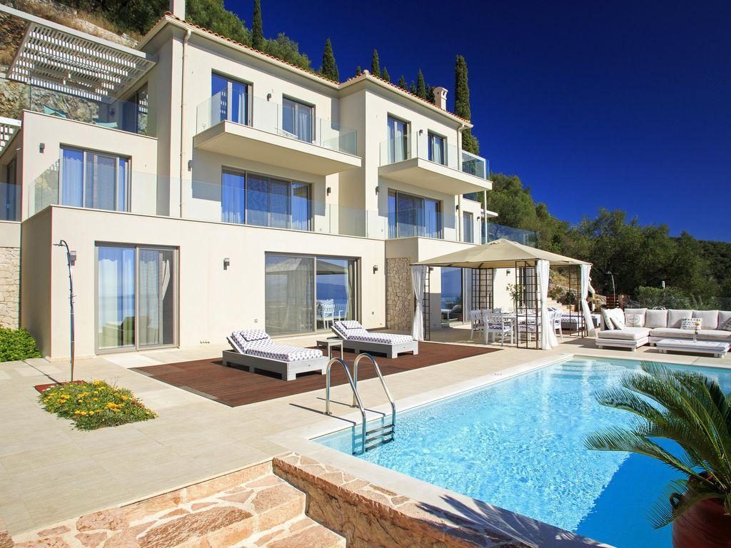 vila-luxury-grecia-magazine-horse