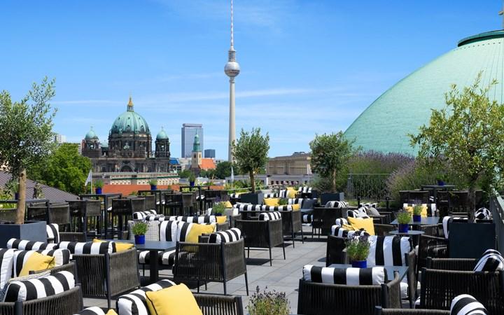 Hotel-De-Rome-Berlin-Magazinehorse