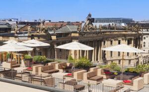 Hotel-de-Rome-Rooftop-magazine-horse