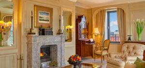 presidential-suite-living-room-magazine-horse