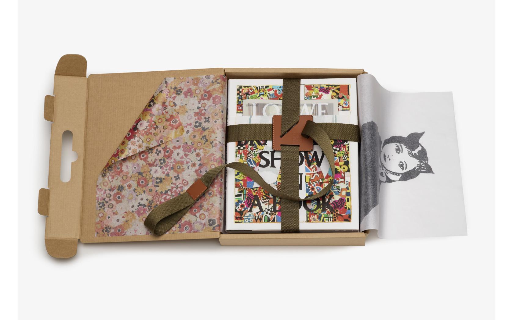 Loewe-A Show in a Book- Magazine Horse