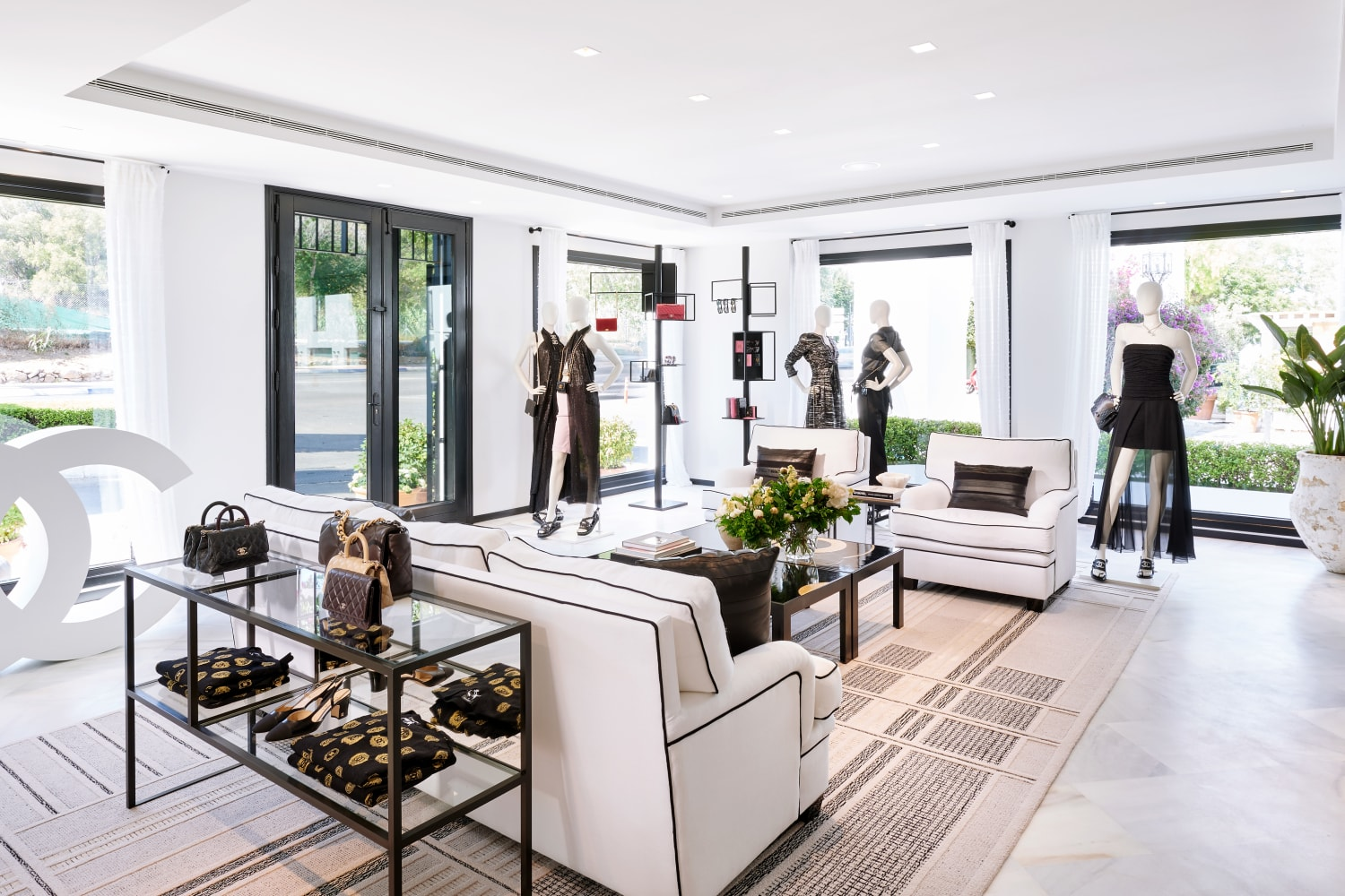 chanel_marbella-ephemeral-boutique-2021-pictures-by-olivier-saillant
